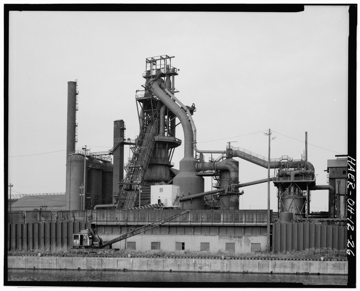 West_elevation,_Furnace_A,_looking_east._-_Central_Furnaces,_2650_Broadway,_east_bank_of_Cuyahoga_River,_Cleveland,_Cuyahoga_County,_OH_HAER_OHIO,18-CLEV,32-26.tif